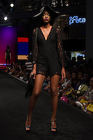 S&Atilde;O PAULO-SP-03.03.2015 - INVERNO 2015/MEGA FASHION WEEK -Oficina &amp; Co/<br /> O Shopping Mega Polo Moda inicia a 18&deg; edi&ccedil;&atilde;o do Mega Fashion Week, (02,03 e 04 de Mar&ccedil;o) com as principais tend&ecirc;ncias do outono/inverno 2015.Com 1400 looks das 300 marcas presentes no shopping de atacado.Br&aacute;z-Regi&atilde;o central da cidade de S&atilde;o Paulo na manh&atilde; dessa segunda-feira,02.(Foto:Kevin David/Brazil Photo Press)
