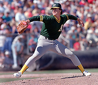 Oakland Athletics pitcher Rick Honeycutt. (1989 photo/Ron Riesterer)