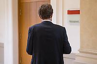 2. Sitzung des 2. Untersuchungsausschusses <br /> der 18. Wahlperiode des Berliner Abgeordnetenhaus - &quot;BER II&quot; - am Freitag den 7. September 2018.<br /> Der Ausschuss soll die Ursachen, Konsequenzen und Verantwortung fuer die Kosten- und Terminueberschreitungen des im Bau befindlichen Flughafens &quot;Berlin Brandenburg Willy Brandt&quot; aufklaeren.<br /> Als oeffentlicher Tagesordnungspunkt war die Beweiserhebung durch Vernehmung des Zeugen Staatssekretaer a. D. Prof. Dr.-Ing. Engelbert Luetke Daldrup vorgesehen.<br /> Im Bild: Der BER-Chef Engelbert Luetke Daldrup vor Beginn der Sitzung.<br /> 7.9.2018, Berlin<br /> Copyright: Christian-Ditsch.de<br /> [Inhaltsveraendernde Manipulation des Fotos nur nach ausdruecklicher Genehmigung des Fotografen. Vereinbarungen ueber Abtretung von Persoenlichkeitsrechten/Model Release der abgebildeten Person/Personen liegen nicht vor. NO MODEL RELEASE! Nur fuer Redaktionelle Zwecke. Don't publish without copyright Christian-Ditsch.de, Veroeffentlichung nur mit Fotografennennung, sowie gegen Honorar, MwSt. und Beleg. Konto: I N G - D i B a, IBAN DE58500105175400192269, BIC INGDDEFFXXX, Kontakt: post@christian-ditsch.de<br /> Bei der Bearbeitung der Dateiinformationen darf die Urheberkennzeichnung in den EXIF- und  IPTC-Daten nicht entfernt werden, diese sind in digitalen Medien nach &sect;95c UrhG rechtlich geschuetzt. Der Urhebervermerk wird gemaess &sect;13 UrhG verlangt.]