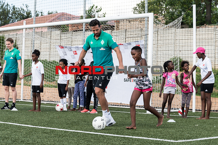08.01.2019, AMANDLA Save Hub, Johannesburg, RSA, TL Werder Bremen Johannesburg Tag 06 - Besuch des AMANDLA Save Hub<br /> <br /> im Bild / picture shows <br /> <br /> Claudio Pizarro (Werder Bremen #04)<br /> <br /> **** Attention *** **** Attention *** <br /> <br /> Only be used for the purpose of documenting the Safe-Hub visit on 08 January 2019<br /> <br /> Foto &copy; nordphoto / Kokenge