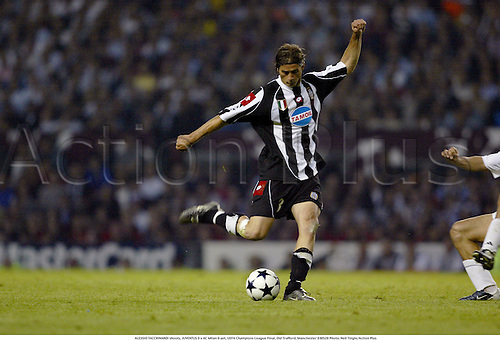 ALESSIO TACCHINARDI shoots, JUVENTUS 0 v AC Milan 0 aet, UEFA Champions League Final, Old Trafford, Manchester 030528 Photo: Neil Tingle/Action Plus<br />
