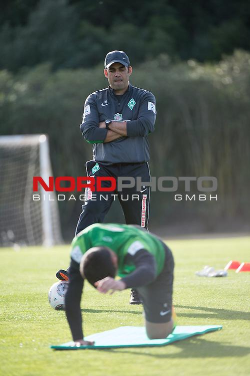 Trainingsgel&auml;nde, Jerez, ESP, 1.FBL, Trainingslager Werder Bremen 2014,  08.01.2014, <br /> <br /> Robin Dutt (Trainer Werder Bremen)<br /> <br /> Foto &copy; nordphoto/ Kokenge