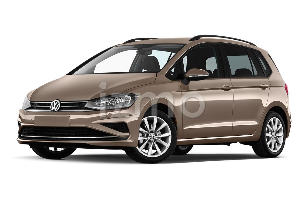 Stock pictures of low aggressive front three quarter view of a 2018 Volkswagen Golf Sportsvan Comfort Line  5 Door MPV