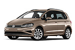Stock pictures of low aggressive front three quarter view of a 2018 Volkswagen Golf Sportsvan Comfort Line  5 Door MPV