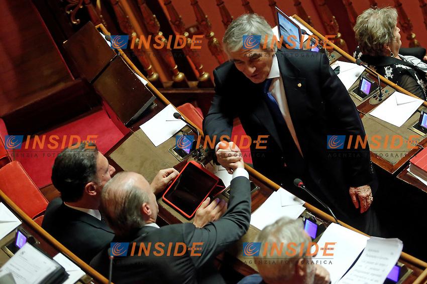 Claudio Zin, Vittorio Fracezzi e Albert Laniece <br /> Roma 19-04-2016 Senato. Mozione di sfiducia al Governo da parte del Movimento 5 Stelle, della Lega Nord  di Forza Italia.<br /> Photo Samantha Zucchi Insidefoto