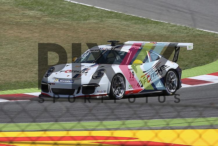 Barcelona, 10.05.15, Motorsport, Porsche Mobil 1 Supercup 2015 : Robert Lukas (F&ouml;rch Racing by Lukas MS, #19)<br /> <br /> Foto &copy; P-I-X.org *** Foto ist honorarpflichtig! *** Auf Anfrage in hoeherer Qualitaet/Aufloesung. Belegexemplar erbeten. Veroeffentlichung ausschliesslich fuer journalistisch-publizistische Zwecke. For editorial use only.