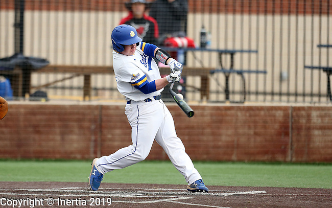 SIOUX FALLS, SD - APRIL 6: Ryan McDonald #8 from South Dakota State breaks his bat during their game against Nebraska Omaha Saturday afternoon in Sioux Falls.  (Photo by Dave Eggen/Inertia)