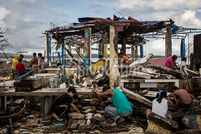 Disaster in the island of Tanuan in  Leite in Philippines  after the Typhoon Haiyan or Yolanda.