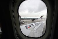 Aerei Alitalia fermi all'aeroporto Leonardo da Vinci