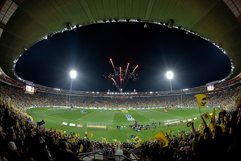 Super Rugby Final - Hurricanes v Highlanders at Westpac Stadium, Wellington, New Zealand on Saturday 4 July 2015.<br /> Photo by Masanori Udagawa. <br /> www.photowellington.photoshelter.com.