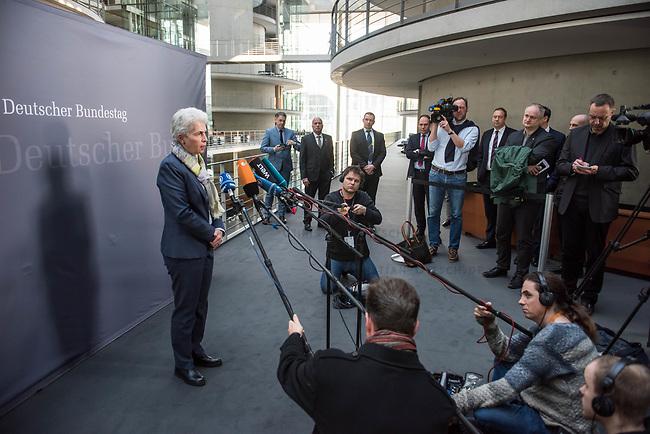 1. Sitzung des Unterausschusses des Verteidigungsausschusses des Deutschen Bundestag als 1. Untersuchungsausschuss am Donnerstag den 14. Februar 2019.<br /> In dem Untersuchungsausschuss zur Berateraffaere soll auf Antrag der Fraktionen von FDP, Linkspartei und Buendnis 90/Die Gruenen der Umgang mit externer Beratung und Unterstuetzung im Geschaeftsbereich des Bundesministeriums fuer Verteidigung aufgeklaert werden. Anlass der Untersuchung sind Berichte des Bundesrechnungshofs ueber Rechts- und Regelverstoesse im Zusammenhang mit der Nutzung derartiger Leistungen.<br /> Einziger Tagesordnungspunkt war die Konstituierung des Unterausschusses als Untersuchungsausschuss.<br /> Im Bild: Marie-Agnes Strack-Zimmermann, Sprecherin der Fraktion der FDP.<br /> 14.2.2019, Berlin<br /> Copyright: Christian-Ditsch.de<br /> [Inhaltsveraendernde Manipulation des Fotos nur nach ausdruecklicher Genehmigung des Fotografen. Vereinbarungen ueber Abtretung von Persoenlichkeitsrechten/Model Release der abgebildeten Person/Personen liegen nicht vor. NO MODEL RELEASE! Nur fuer Redaktionelle Zwecke. Don't publish without copyright Christian-Ditsch.de, Veroeffentlichung nur mit Fotografennennung, sowie gegen Honorar, MwSt. und Beleg. Konto: I N G - D i B a, IBAN DE58500105175400192269, BIC INGDDEFFXXX, Kontakt: post@christian-ditsch.de<br /> Bei der Bearbeitung der Dateiinformationen darf die Urheberkennzeichnung in den EXIF- und  IPTC-Daten nicht entfernt werden, diese sind in digitalen Medien nach §95c UrhG rechtlich geschuetzt. Der Urhebervermerk wird gemaess §13 UrhG verlangt.]