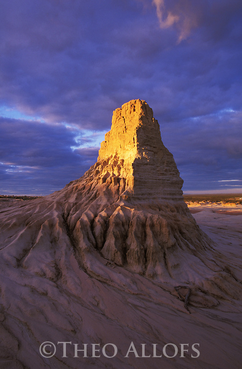 "Australia, NSW; ""Wall Of China"" in Mungo National Park"