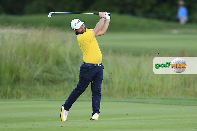 Andy Sullivan (ENG) plays his 2nd shot on the 9th hole during Friday's Round 2 of the 2016 U.S. Open Championship held at Oakmont Country Club, Oakmont, Pittsburgh, Pennsylvania, United States of America. 17th June 2016.<br /> Picture: Eoin Clarke | Golffile<br /> <br /> <br /> All photos usage must carry mandatory copyright credit (&copy; Golffile | Eoin Clarke)