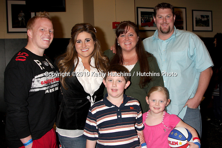 Kaycee Stroh & Husband, her sister and family.at the Harlem Globetrotters Game .Staples Center.Los Angeles, CA.February 14, 2010.©2010 Kathy Hutchins / Hutchins Photo....