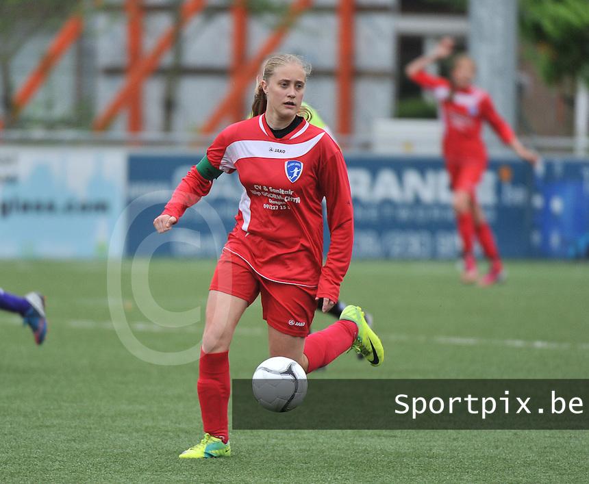 AA Gent Ladies U16 - RSC Anderlecht : Ellen De Vos.foto DAVID CATRY / Nikonpro.be