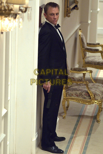 DANIEL CRAIG .in Casino Royale.*Editorial Use Only*.Ref: FB.www.capitalpictures.com.sales@capitalpictures.com.Supplied by Capital Pictures.