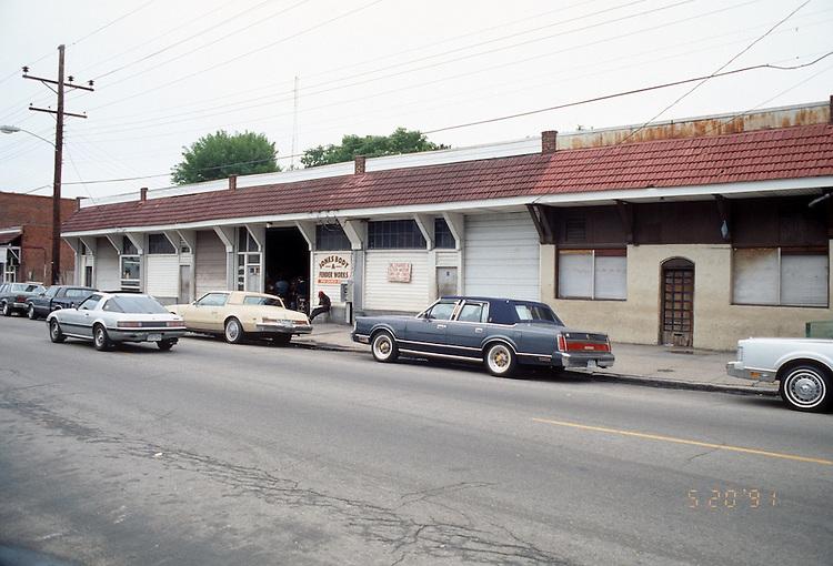 1991 May 20..Redevelopment.Huntersville 1&2 (R-70)..HUNTERSVILLE  2 EXISTING CONDITIONS.1743 CHURCH STREET .WEST SIDE...NEG#.NRHA#..REDEV:HuntII-2  2:7