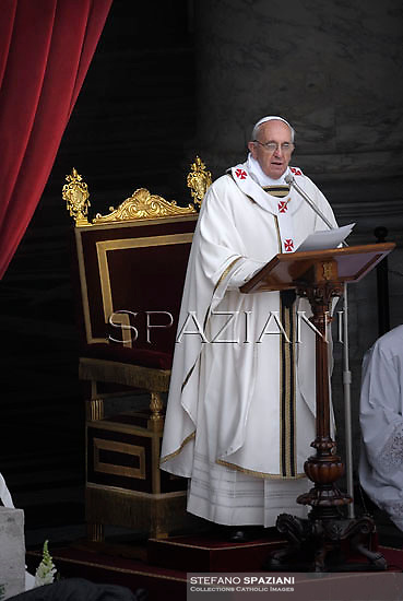 Pope Francis leads a Holy Mass for Confraternities at St Peter's square at the Vatican. May 5, 2013