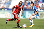 CD Leganes' Alexander Szymanowski (r) and Sevilla FC's Mariano Ferreira during La Liga match. October 15,2016. (ALTERPHOTOS/Acero)