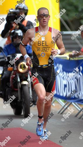 2007-06-24 / Triathlon / Europees kampioenschap triathlon Brasschaat / Elite male / Frederik Van Lierde