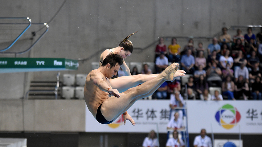 Great Britain's Grace Reid and Tom Daley compete in the mixed 3m synchro springboard <br /> <br /> Photographer Hannah Fountain/CameraSport<br /> <br /> FINA/CNSG Diving World Series 2019 - Day 3 - Sunday 19th May 2019 - London Aquatics Centre - Queen Elizabeth Olympic Park - London<br /> <br /> World Copyright © 2019 CameraSport. All rights reserved. 43 Linden Ave. Countesthorpe. Leicester. England. LE8 5PG - Tel: +44 (0) 116 277 4147 - admin@camerasport.com - www.camerasport.com