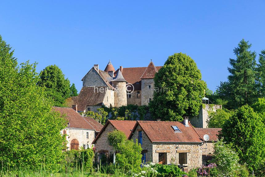 France, Creuse (23), Ahun, château de Chantemille et le hameau // France, Creuse,, Ahun,