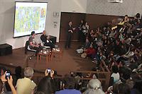 SAO PAULO, SP, 30.08.2014 - BIENAL INTERNACIONAL DO LIVRO DE SAO PAULO - Sebastião Salgado durante a Bienal Internacional do Livro de Sao Paulo no Anhembi neste sabado, 30. (Foto: Carlos Pessuto / Brazil Photo Press).