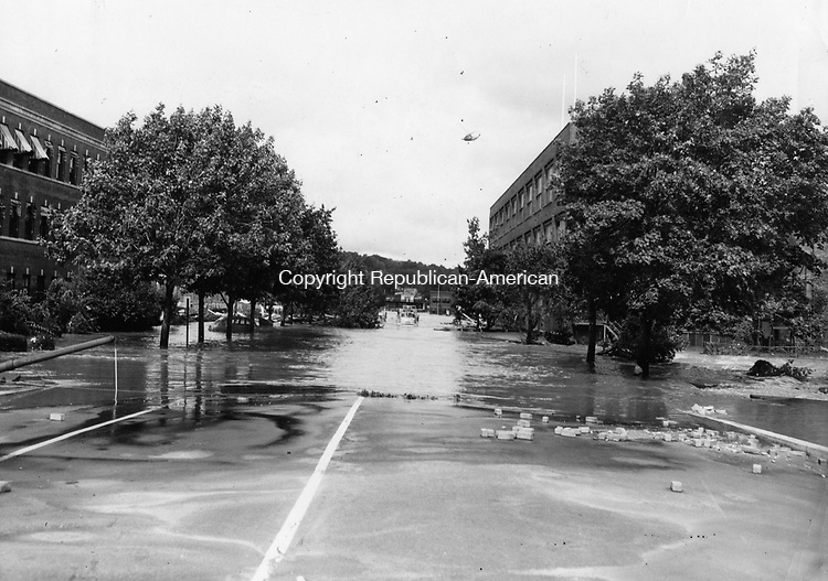 Freight Street was still under water two days after August 19th. Abandoned trucks can be seen on the Bridge.