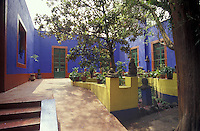 Courtyard at the Museo Frida Kahlo, also known as the Blue House or Casa Azul, in Coyoacan, Mexico City. Mexican artist Frida Kahlo was born this house and lived in it with her husband Diego riva from 1929 until 1954.