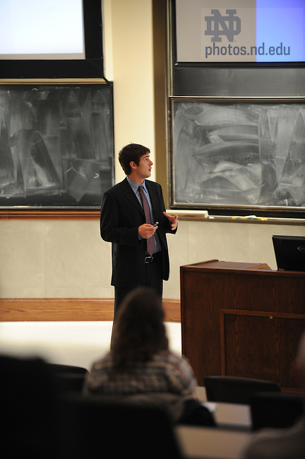 A student presents his research in the College of Science JAM (Joint Annual Meeting), part of the Undergraduate Scholars Conference...Photo by Matt Cashore/University of Notre Dame