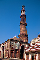 Qutb Minar, Mausoleum Imam Zamim, Alai Dawarzar, Delhi, Indien, Unesco-Weltkulturerbe