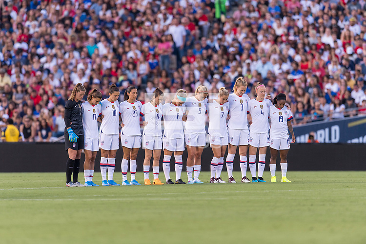 PASADENA, CA - AUGUST 4: The USWNT stands for a moment of silence during a game between Ireland and USWNT at Rose Bowl on August 3, 2019 in Pasadena, California.