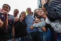 ATENCAO EDITOR IMAGEM EMBARGADA PARA VEICULOS INTERNACIONAIS -   SAO PAULO, SP, 25 SETEMBRO 2012 - ELEICOES JOSE SERRA - O candidato a prefeitura de Sao Paulo pelo PSDB Jose Serra durante campanha eleitoral no bairro de Sapopemba na região leste da capital paulista, nesta terça-feira, 25. (FOTO: WILLIAM VOLCOV / BRAZIL PHOTO PRESS).