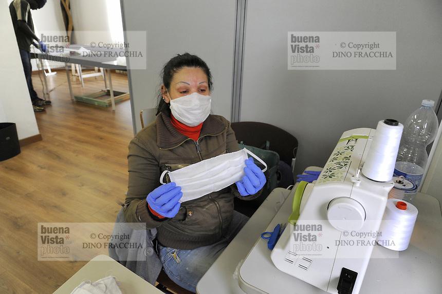 - Ri-Maflow, fabbrica recuperata ed autogestita dai suoi lavoratori; nella nuova sede di Trezzano sul Naviglio (MI), conquistata dopo dieci anni di lotte, gli artigiani hanno riconvertito le loro produzioni per realizzare mascherine sanitarie contro il Coronavirus, che vengono distribuite a chi ne ha bisogno, con un piccolo contributo, ma anche senza.<br /> <br /> - Ri-Maflow, factory recovered and self-managed by its workers; in the new headquarters in Trezzano sul Naviglio (MI), conquered after ten years of battles, the craftsmen have converted their productions to make sanitary masks against Coronavirus, which are distributed to those who need them, with a small contribution, but also without.