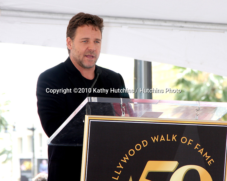 Russell Crowe.at the ceremony where Russell Crowe Receives a Star on the Hollywood Walk of Fame.Kodak Theater.Los Angeles, CA.April 12, 2010.©2010 Kathy Hutchins / Hutchins Photo...