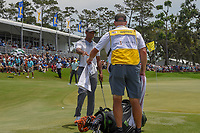 Tiger Woods (USA) cools off before his birdie attempt on 18 during round 3 of The Players Championship, TPC Sawgrass, at Ponte Vedra, Florida, USA. 5/12/2018.<br /> Picture: Golffile | Ken Murray<br /> <br /> <br /> All photo usage must carry mandatory copyright credit (&copy; Golffile | Ken Murray)