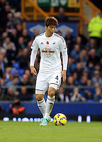 Liverpool, UK. Saturday 01 November 2014<br /> Pictured: Ki Sung Yueng of Swansea<br /> Re: Premier League Everton v Swansea City FC at Goodison Park, Liverpool, Merseyside, UK.