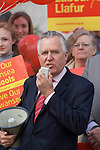 070410 Peter Hain Labour MP walkabout Swansea