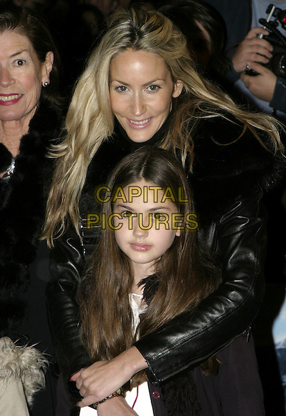 "LISA BUTCHER & FAMILY.Premiere of ""Polar Express"", Vue cinema, Leicester Square, London, November 17th 2004..half length daughter child.Ref: AH.www.capitalpictures.com.sales@capitalpictures.com.©Capital Pictures."
