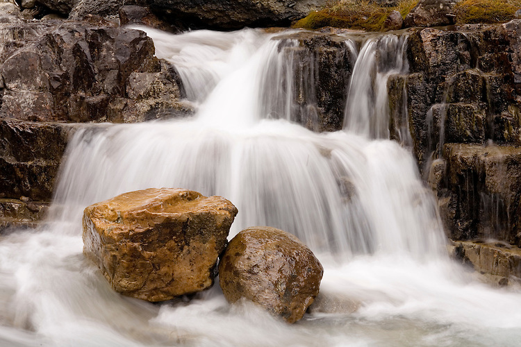 Nigel Creek cuts through gorge in northern Banff NP