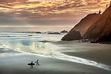 USA, Oregon, Indian Beach, from Ecola State Park there is a two mile trail that takes you to the breathtaking views and sandy beaches of Indian Beach