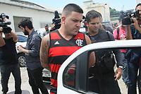 RIO DE JANEIRO, RJ, 23.03.2017 - CRIME-RJ - A Polícia do Rio de Janeiro prendeu cinco suspeitos pela morte do torcedor alvinegro Diego Silva dos Santos, de 28 anos, na manhã dessa quinta-feira (23). Uma megaoperação foi realizada pela Polícia Civil para cumprir 20 mandados de prisão de integrantes da Torcida Jovem do Flamengo. Desses, oito teriam participado diretamente da morte do torcedor do Botafogo no dia 12 do mês passado no entorno do Engenhão, na Zona Norte da cidade e foram indiciados por homicídio e organização criminosa. Três suspeitos do crime estão foragidos.(Foto: Celso Barbosa/Brazil Photo Press)