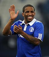 FUSSBALL   1. BUNDESLIGA   SAISON 2011/2012   22. SPIELTAG FC Schalke 04 - VfL Wolfsburg         19.02.2012 Jefferson Farfan (FC Schalke 04) ist nach dem Abpfiff gut gelaunt