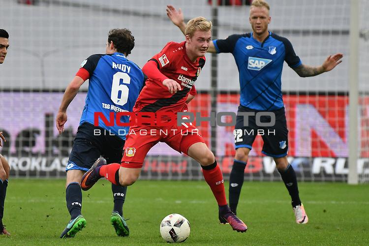 22.10.2016, BAYARENA, Leverkusen, GER, 1.FBL., Bayer 04 Leverkusen vs. TSG 1899 Hoffenheim  <br /> <br /> im Bild / picture shows: <br /> Julian Brandt (Leverkusen #19), gegen Sebastian Rudy (Hoffenheim #6), und Kevin Vogt (Hoffenheim #22), <br /> <br /> <br /> <br /> Foto &copy; nordphoto / Meuter