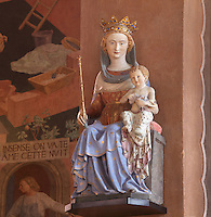 Our lady of the fields (Notre Dame des champs), polychrome statue in the ambulatory, Nanterre Cathedral (Cathédrale Sainte-Geneviève-et-Saint-Maurice de Nanterre), 1924 - 1937, by architects Georges Pradelle and Yves-Marie Froidevaux, Nanterre, Hauts-de-Seine, France. Picture by Manuel Cohen