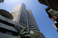"Asien Indien IND Megacity Mumbai Bombay Finanzzentrum Finanzmarkt .Bombay Stockexchange B?rse - Wirtschaft Finanzwesen Finanzen Architektur Gesch?ftsh?user und B?roh?user Hochh?user Geb?ude Miete Mieten B?romieten Haus Hochhaus Entwicklung Wachstum Metropolen Megacities Stadt Gro§stadt Inder indische modern modernes Megast?dte Handel Aktienhandel Aktienmarkt Aktie indische Aktien Unternehmen Anlage Anlagen indischer Markt Wertpapiere Wertpapierb?rse Fonds indische Geldmarkt Rupie Rupien W?hrung Devisen Boom Banken Kredite Geld B?rsen Finanz Finanzsektor Bankwesen Investitionen Investition B?ro xagndaz | .Asia India Mumbai .BSE Bombay Stock exchange in Bombay - skyscraper building economy boom money loan bank credit trade investment finance market .| [copyright  (c) agenda / Joerg Boethling , Veroeffentlichung nur gegen Honorar und Belegexemplar an / royalties to: agenda  Rothestr. 66  D-22765 Hamburg  ph. ++49 40 391 907 14  e-mail: boethling@agenda-fototext.de  www.agenda-fototext.de  Bank: Hamburger Sparkasse BLZ 200 505 50 kto. 1281 120 178  IBAN: DE96 2005 0550 1281 1201 78 BIC: ""HASPDEHH"" ,  WEITERE MOTIVE ZU DIESEM THEMA SIND VORHANDEN!! MORE PICTURES ON THIS SUBJECT AVAILABLE!! INDIA PHOTO ARCHIVE: http://www.visualindia.net ] [#0,26,121#]"