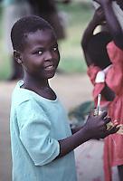 ZIMBABWE - Zona rurale di Raffingora, ragazza Shona.ZIMBABWE - Raffingora rural area, Shona girl.