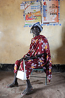 "Afrika Suedsudan Rumbek , Diakonie Gesundheitsstation , Frauen bei Untersuchung bei Frauenaerztin - Gesundheit  | .Africa South Sudan Rumbek , health center , Dinka woman .| [ copyright (c) Joerg Boethling / agenda , Veroeffentlichung nur gegen Honorar und Belegexemplar an / publication only with royalties and copy to:  agenda PG   Rothestr. 66   Germany D-22765 Hamburg   ph. ++49 40 391 907 14   e-mail: boethling@agenda-fototext.de   www.agenda-fototext.de   Bank: Hamburger Sparkasse  BLZ 200 505 50  Kto. 1281 120 178   IBAN: DE96 2005 0550 1281 1201 78   BIC: ""HASPDEHH"" ,  WEITERE MOTIVE ZU DIESEM THEMA SIND VORHANDEN!! MORE PICTURES ON THIS SUBJECT AVAILABLE!! ] [#0,26,121#]"