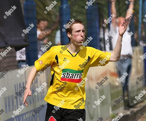 2009-05-10 / Voetbal / Wijnegem - Zwarte Leeuw / Roy Van der Linden scoorde een mooi doelpunt voor Zwarte Leeuw..Foto: Maarten Straetemans (SMB)