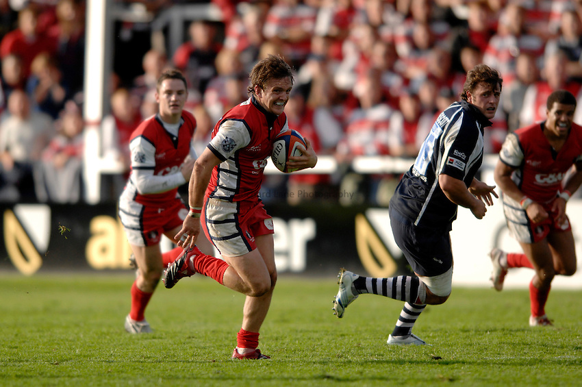 Photo: Richard Lane..Gloucester Rugby v Bristol Rugby. EDF Anglo-Welsh Cup. 07/10/2006. .Gloucester's Rory Lawson runs in for a try.